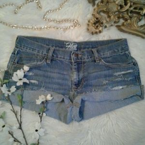 Old Navy sz6 Distressed Cut Off Jean Shorts